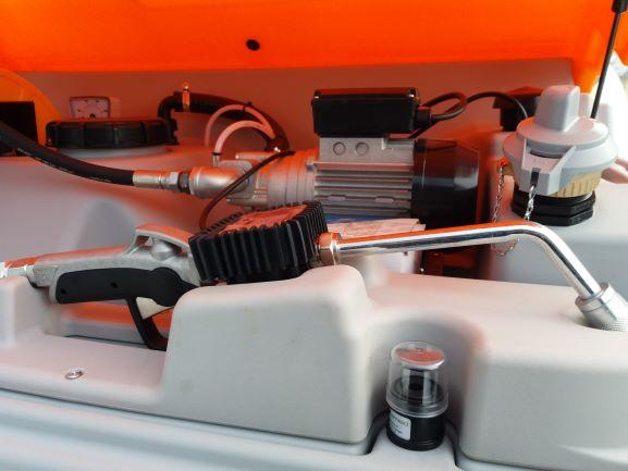 plastova nadrz na maziva cube